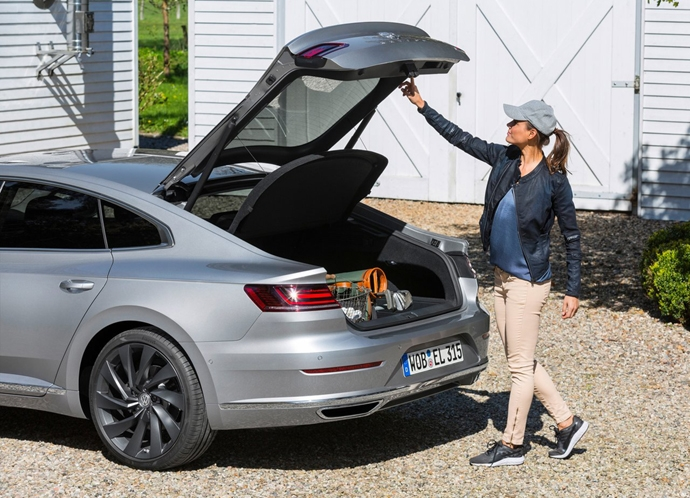 2944185655_aUGtg1Zd_Volkswagen-Arteon-2018-1280-46.jpg
