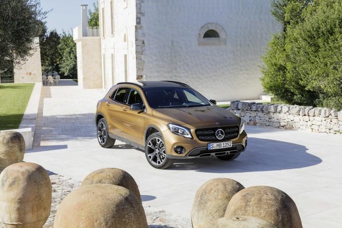 990539897_4DjIpar9_2017-Mercedes-GLA-62.jpg