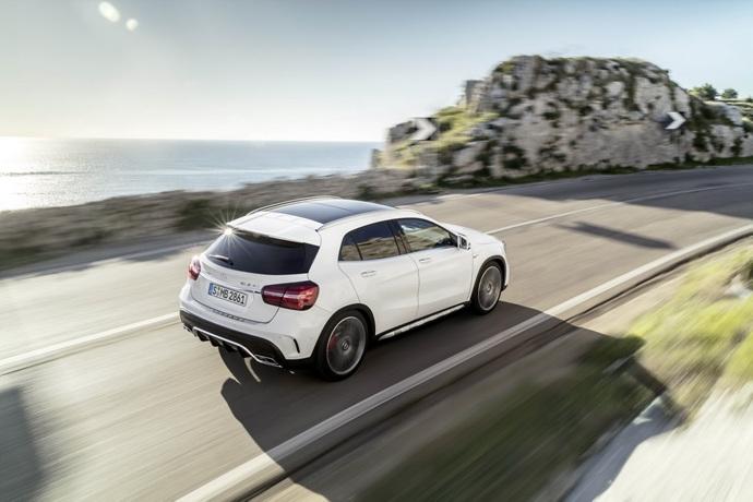 990539897_BpMtzZN8_2017-Mercedes-GLA-15.jpg
