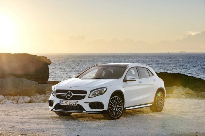 990539897_QGnHqt7y_2017-Mercedes-GLA-22.jpg