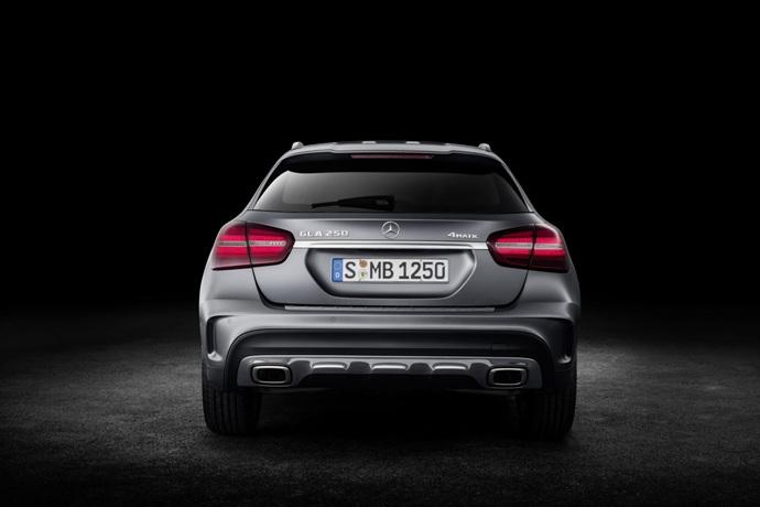 990539897_XTWH4oKV_2017-Mercedes-GLA-67.jpg