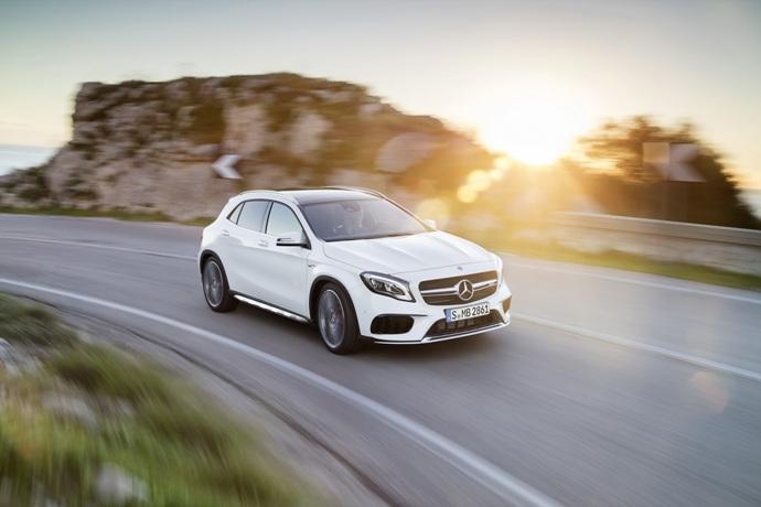 990539897_j9ZEO4cq_2017-Mercedes-GLA-14.jpg