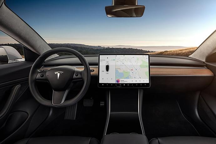 2944185765_IufAQ2yg_Tesla-Model_3-2018-1280-12.jpg