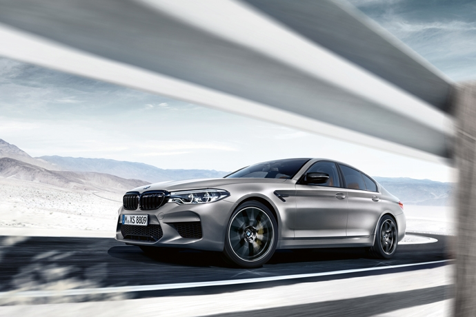 2038937878_1XctixEf_P90300395_highRes_the-new-bmw-m5-compe.jpg