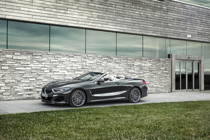2072982042_pFDuxbJW_P90327654_highRes_the-new-bmw-8-series.jpg