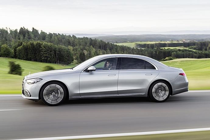 2944185651_XkuqNZQr_2021-Mercedes-S-Class-side.jpg