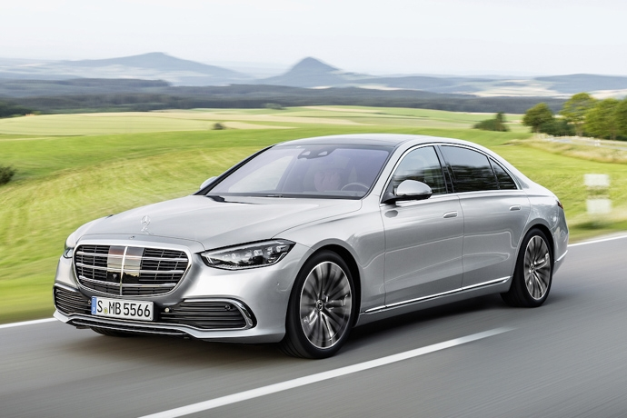 2944185651_tYvjUq2V_2021-Mercedes-S-Class-driving.jpg