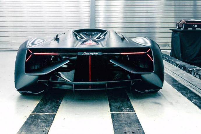 2948870732_0YsLvn6G_Lamborghini-Terzo-Millennio-concept-6.jpg