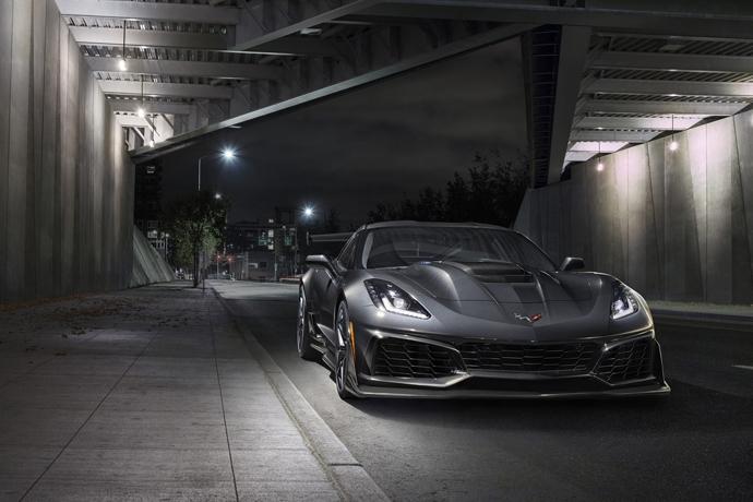 3076635824_DqEcRGke_2019-Chevrolet-Corvette-ZR1-003.jpg