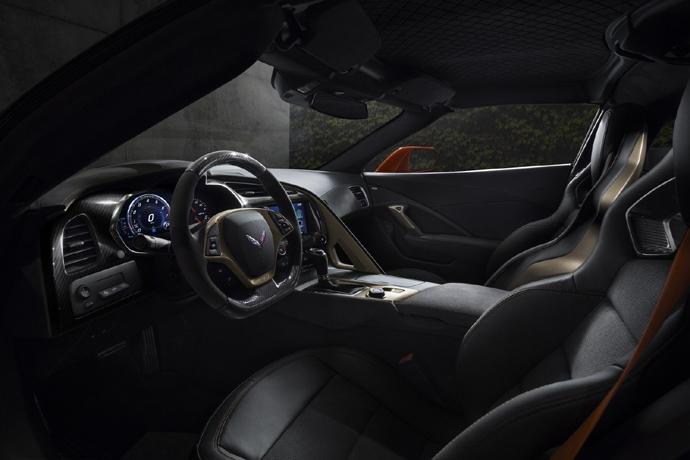 3076635824_dJ8hefpI_2019-Chevrolet-Corvette-ZR1-009.jpg