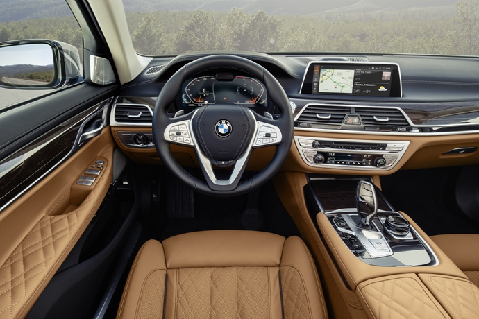 3546846438_ApZrzXue_P90333068_highRes_the-new-bmw-7-series.jpg