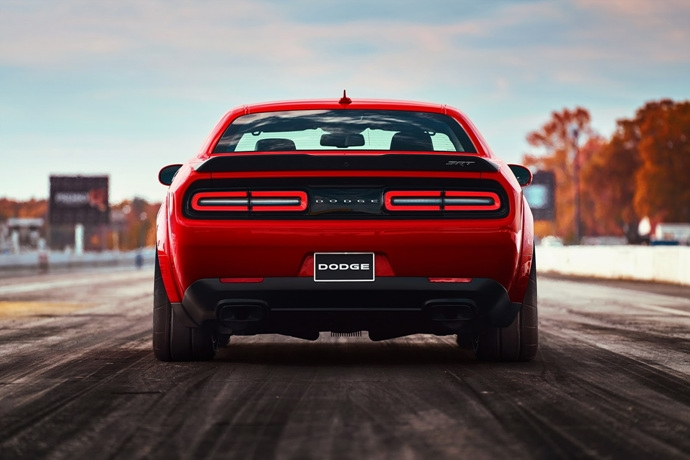 3698692158_0sWRblZm_2018-Dodge-Challenger-Demon-27.jpg