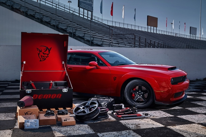 3698692158_1s0HpYf5_2018-Dodge-Challenger-Demon-42.jpg