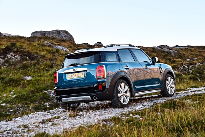 3698692158_4QRAgPqI_2017-MINI-Countryman-59.jpg