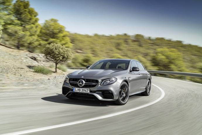 3698692158_5ZmXPIcJ_2018-Mercedes-E63-AMG-S-22.jpg