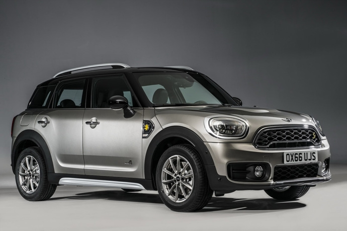 3698692158_A6q7Mu3Y_2017-MINI-Countryman-183.jpg