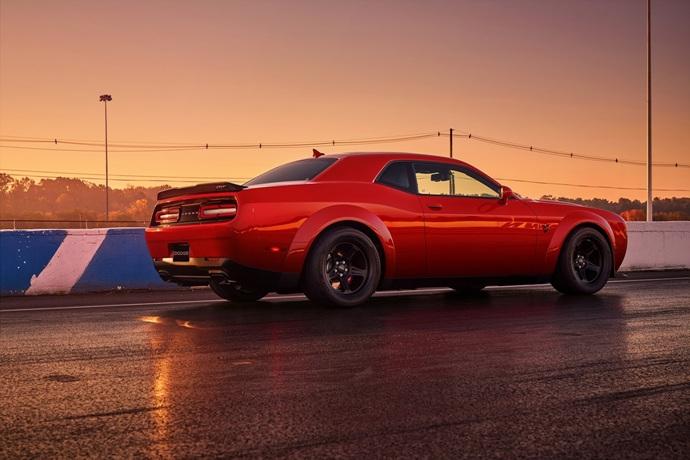 3698692158_AFXu3qyQ_2018-Dodge-Challenger-Demon-15.jpg