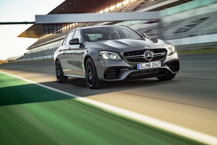 3698692158_DNfHyOYo_2018-Mercedes-E63-AMG-S-13.jpg