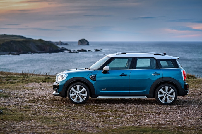 3698692158_EfvQ9CYs_2017-MINI-Countryman-20.jpg