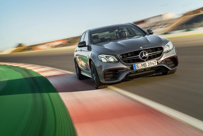 3698692158_KNWBuToV_2018-Mercedes-E63-AMG-S-37.jpg