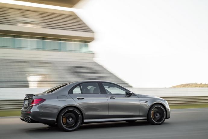 3698692158_Ko4WHwPa_2018-Mercedes-E63-AMG-S-38.jpg