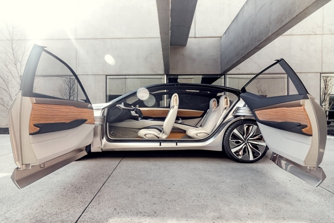 3698692158_Lz9wTGAa_Nissan-Vmotion2-Concept-15.jpg