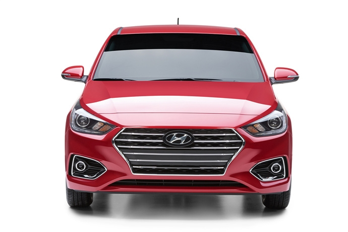 3698692158_Pqy7ZXhF_2018-hyundai-accent-exterior-front-main-1.jpg