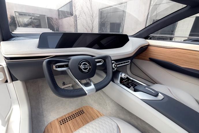 3698692158_Ts2DlZkF_Nissan-Vmotion2-Concept-19.jpg
