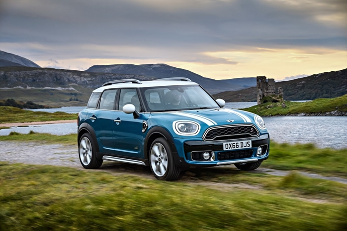3698692158_TsCen2bN_2017-MINI-Countryman-27.jpg