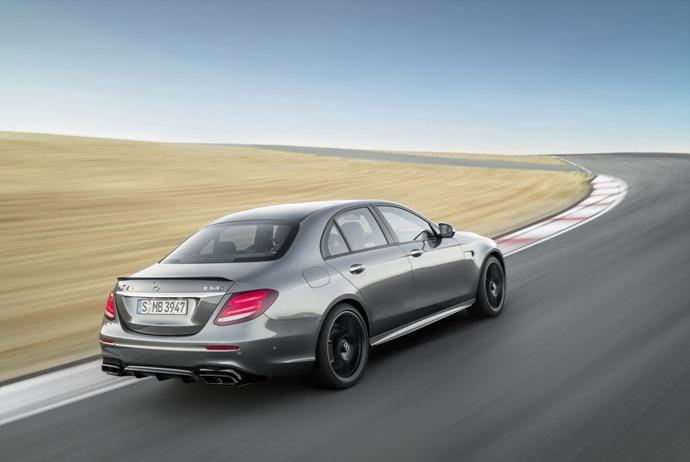 3698692158_VAZ0QJky_2018-Mercedes-E63-AMG-S-17.jpg
