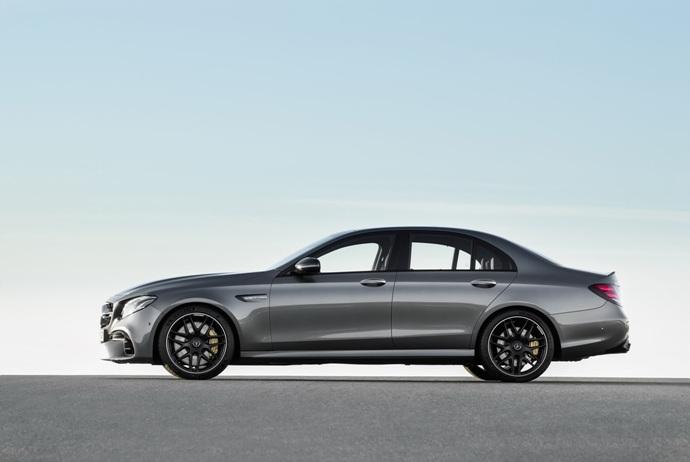 3698692158_c106uHjh_2018-Mercedes-E63-AMG-S-19.jpg