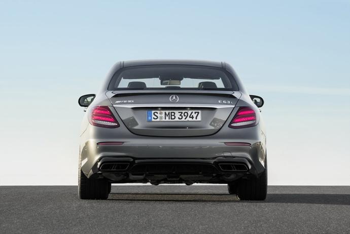 3698692158_dgArw8Db_2018-Mercedes-E63-AMG-S-16.jpg
