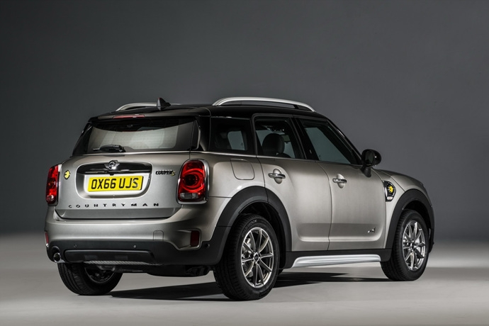 3698692158_exZF5phS_2017-MINI-Countryman-184.jpg