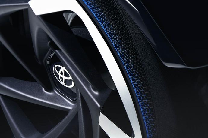 3698692158_f8Ej0oHZ_2017_Toyota_Concept_i-Tril_ExteriorDet_01_copy.jpg