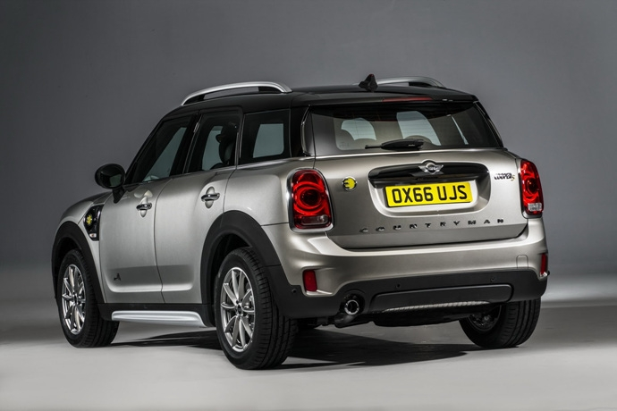 3698692158_gnwZ021K_2017-MINI-Countryman-182.jpg