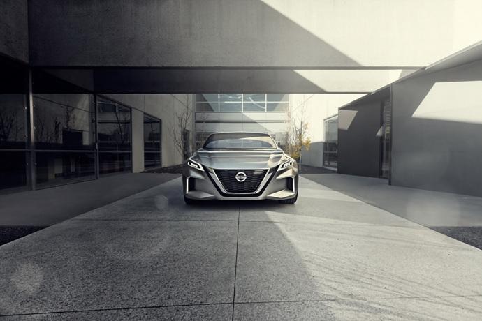 3698692158_l2zHbdGw_Nissan-Vmotion2-Concept-6.jpg