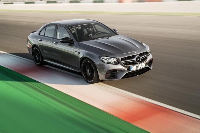 3698692158_p2V37syj_2018-Mercedes-E63-AMG-S-31.jpg