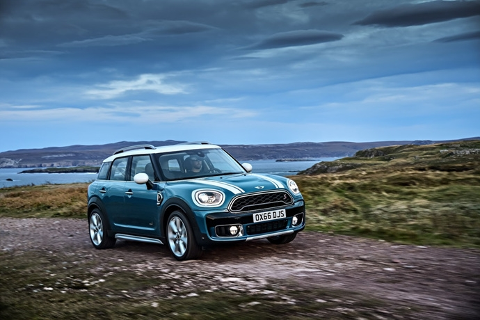 3698692158_q8hpBOP0_2017-MINI-Countryman-22.jpg