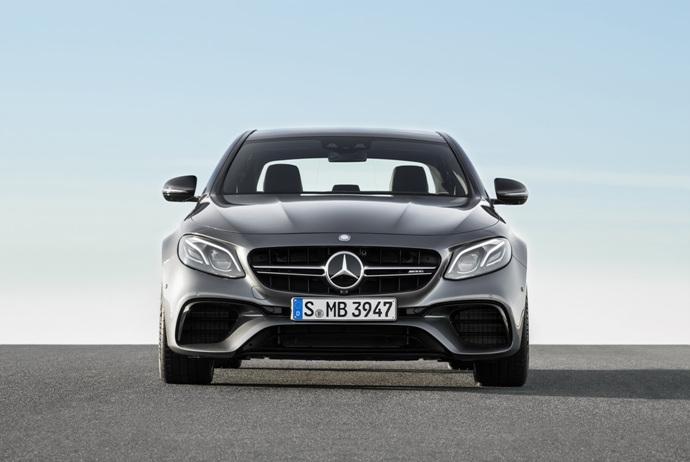 3698692158_qkgZulmb_2018-Mercedes-E63-AMG-S-1.jpg