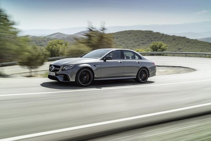 3698692158_r1429Wyw_2018-Mercedes-E63-AMG-S-30.jpg