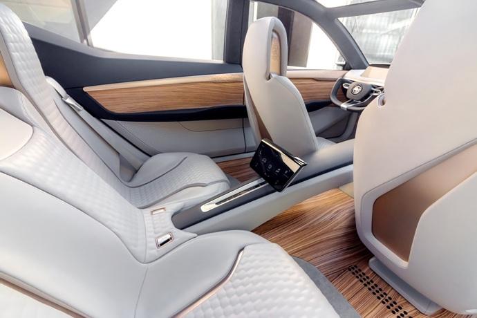 3698692158_wMVNOz4u_Nissan-Vmotion2-Concept-21.jpg