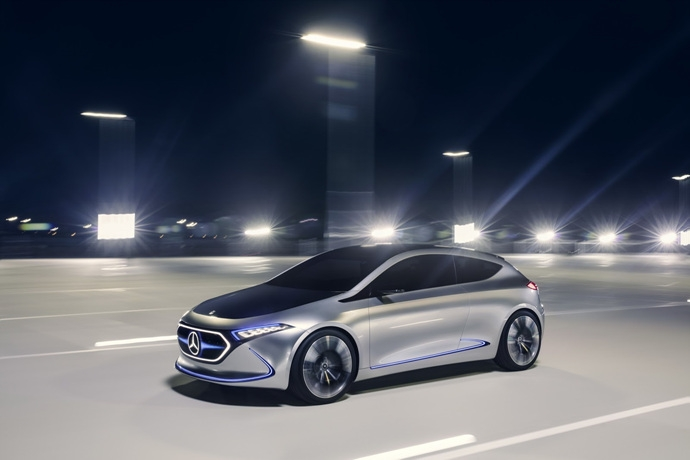 990539897_2I3XyJBm_mercedes-eqa-concept-unveiled-5.jpg