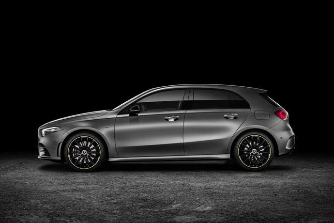 990539897_3BepuqyU_2019-Mercedes-Benz-A-Class-Hatch-55.jpg