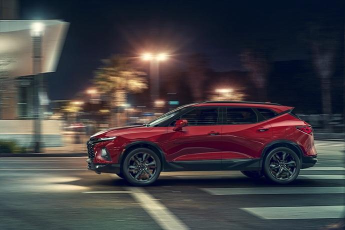 990539897_6yOCn5tS_2019-Chevrolet-Blazer-001.jpg