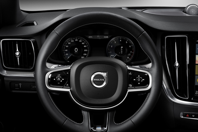 990539897_7UxND2bL_230867_New_Volvo_S60_R-Design_interior.jpg