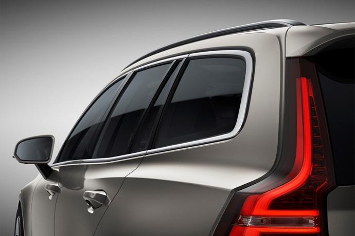 990539897_84z57kiQ_223549_New_Volvo_V60_exterior.jpg