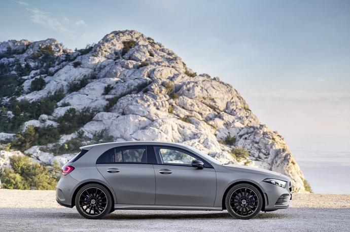 990539897_9EewBfLI_2019-Mercedes-Benz-A-Class-Hatch-41.jpg