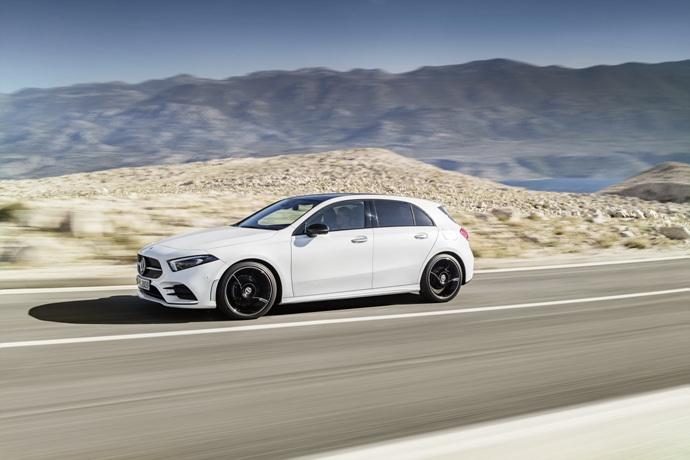 990539897_CNj6FEha_2019-Mercedes-Benz-A-Class-Hatch-03.jpg
