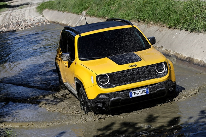 990539897_Fuxiwe52_180620_Jeep_New-Renegade-MY19-Trailhawk_04.jpg