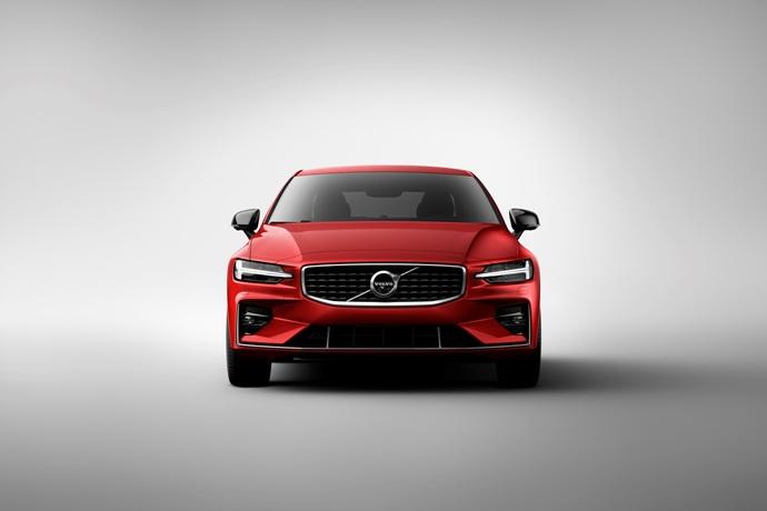 990539897_GZxacXlQ_230875_New_Volvo_S60_R-Design_exterior.jpg